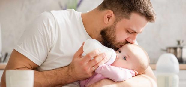 Les règles d'or pour bien donner le biberon à bébé